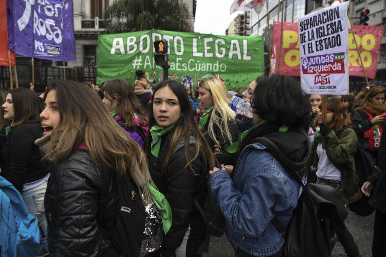 «Avortement» dans l'ensemble du site