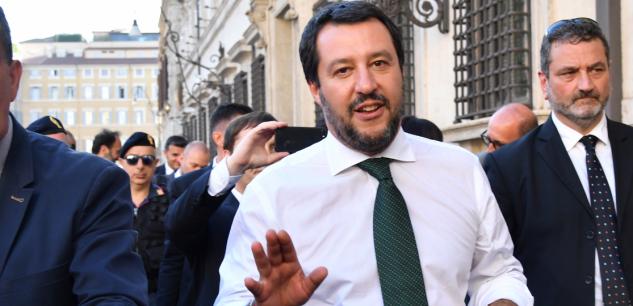 Italie : ministre de l'Intérieur, Matteo Salvini appelle les migrants à «faire les valises»