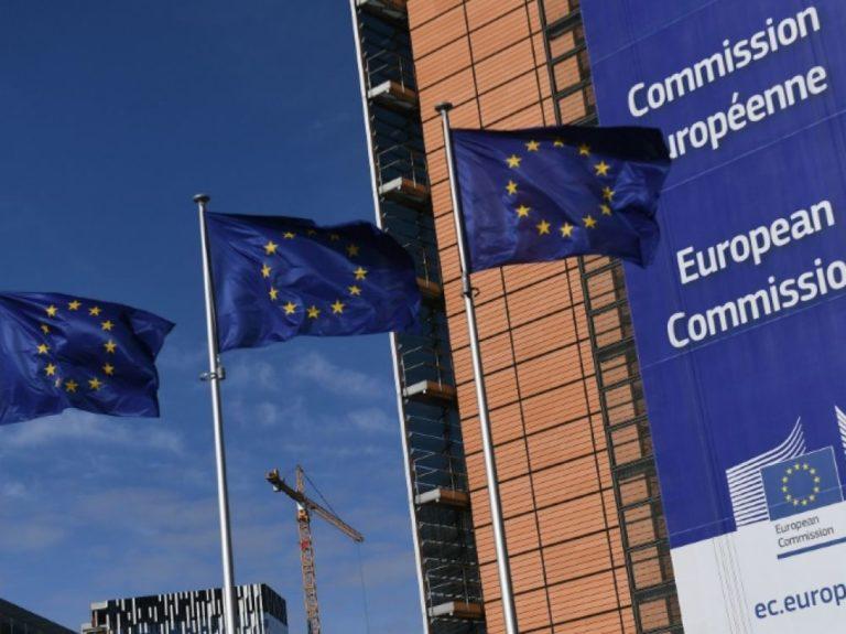 Retraites: Bruxelles pousse la France à faire des milliards d'euros d'économies