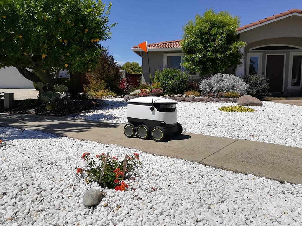 Même les robots livreurs de nourriture peuvent être maltraités par les humains