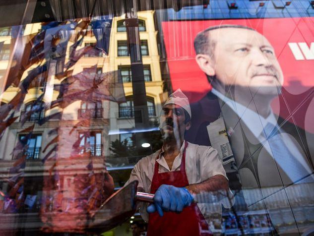 Elections en Turquie : l'économie, talon d'Achille d'Erdogan