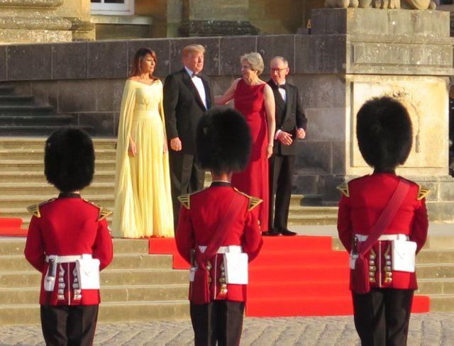 Donald Trump à Theresa May : ce sera les Etats-Unis ou l'Union européenne