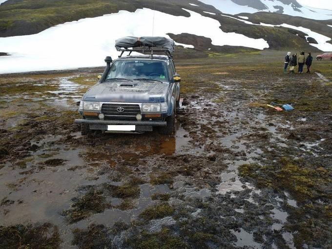 Des Français font du 4×4 hors-piste, tollé en Islande