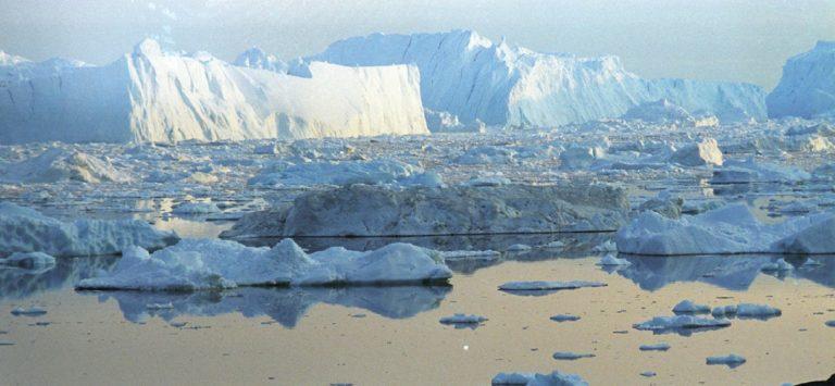 Une couche de l'Arctique réputée incassable est en train de se fissurer