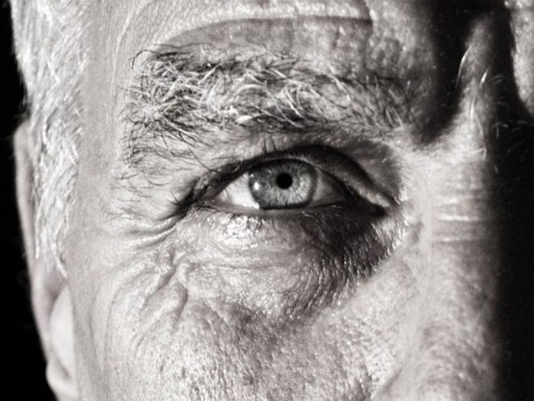 DMLA : 2 patients retrouvent la vue grâce à des cellules souches