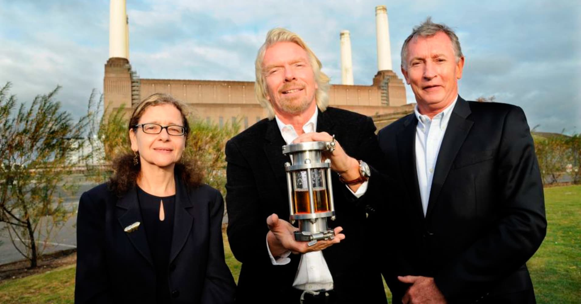 Richard Branson's Virgin Atlantic set to fly a 747 jet with fuel made from factory pollution