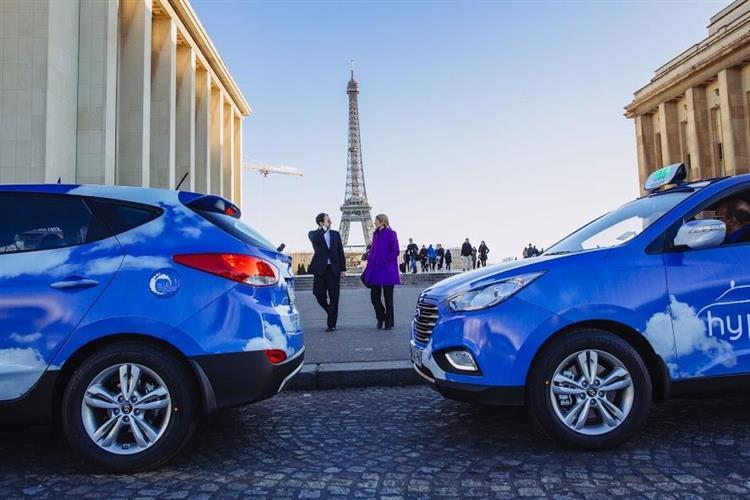 Ces taxis parisiens roulent à l'hydrogène (et c'est une première mondiale)