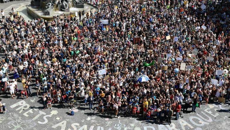EN IMAGES. Dans le monde entier, des milliers de personnes ont marché pour le climat