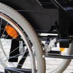 Lève-toi et marche: un paraplégique réussit à marcher grâce à une petite électrode
