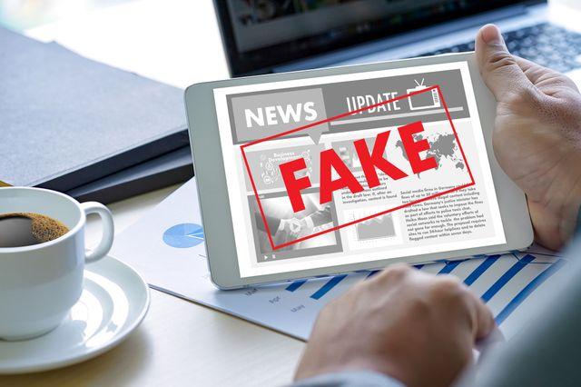 «Infox» plutôt que «fake news» ?