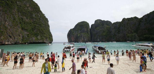 Thaïlande : dégradée par les touristes, la baie du film «la Plage» contrainte de fermer