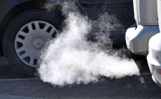 Les eurodéputés veulent durcir les normes d'émissions de CO2 pour les voitures