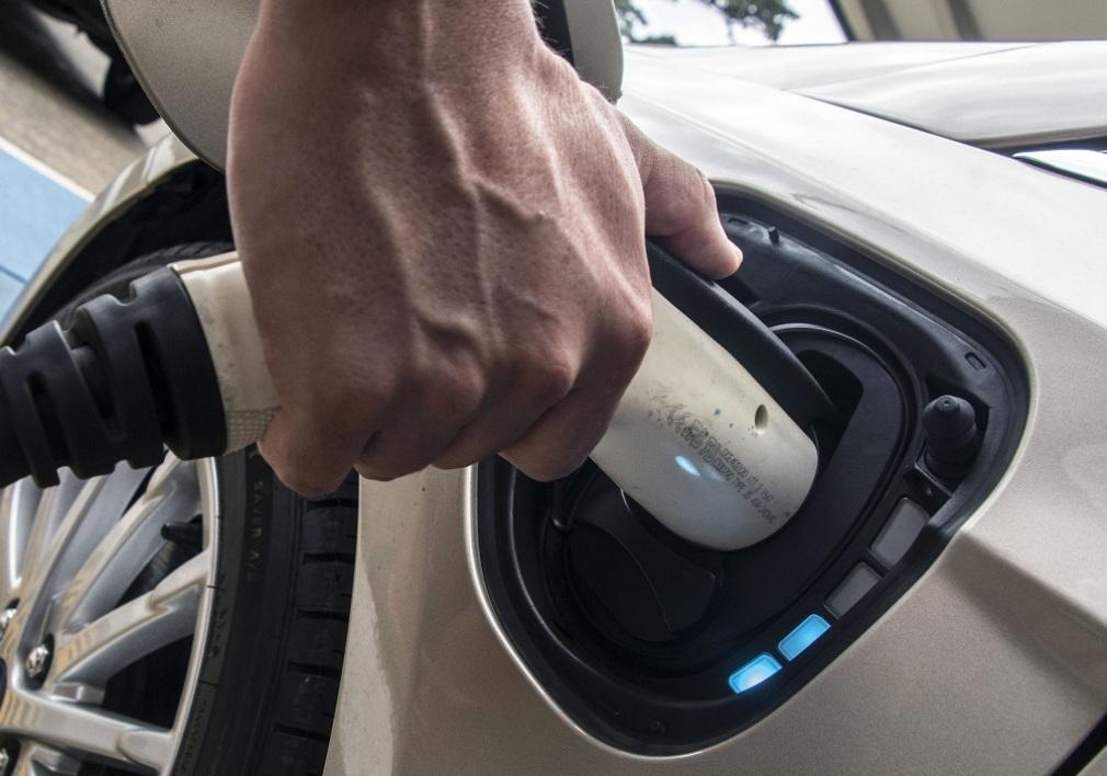 Automobile: la France débloque 700 millions d'euros pour créer les batteries électriques du futur