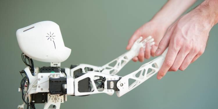 ROBOTS, IA… SONT-ILS DES MENACES POUR VOTRE JOB ET VOTRE VIE QUOTIDIENNE ?