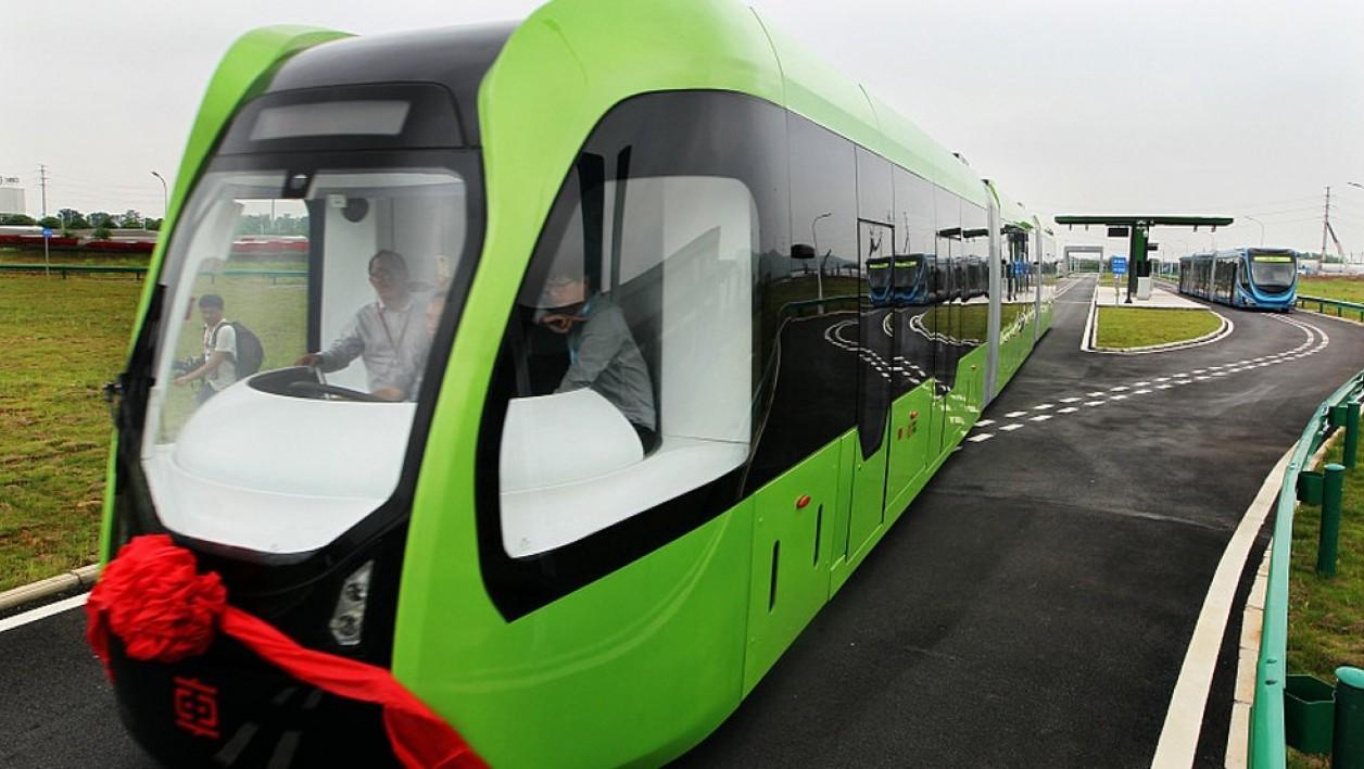 Ce tramway électrique sans rail ni caténaire roule déjà en Chine