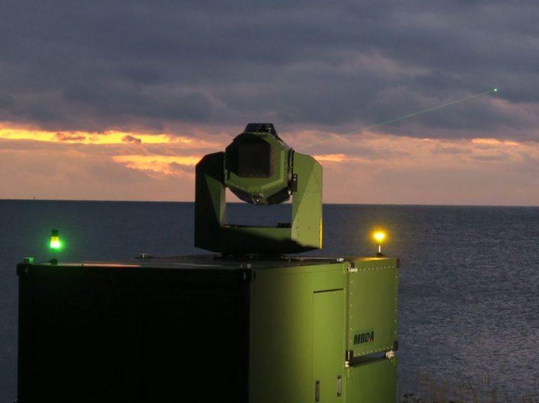 La France travaille sur une arme laser anti-satellites