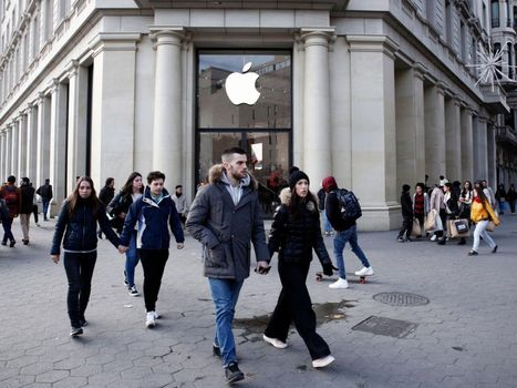 Apple présente ses excuses après la révélation du bridage des iPhones