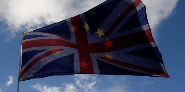 Brexit : Londres accélère ses préparatifs pour une sortie de l'UE sans accord