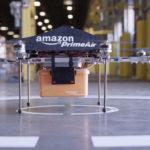 Charger une voiture électrique qui roule avec un drone ? C'est l'objet de ce brevet obtenu par Amazon