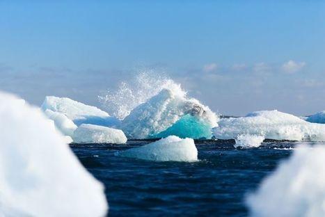Des lacs bleus géants apparaissent en Antarctique et c'est une très mauvaise nouvelle
