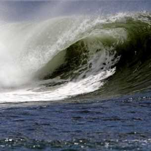 Dessaler 10'000L/jour d'eau de mer à la force des vagues