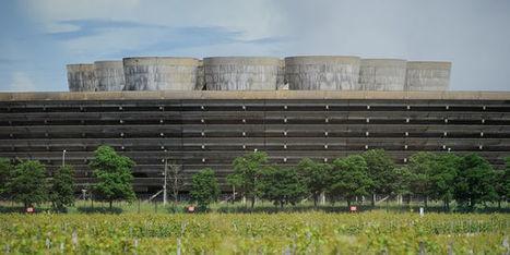 En France, sortir du nucléaire coûterait cher, y rester aussi