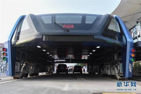 La Chine a vraiment construit le «Transit Elevated Bus», capable d'enjamber les files de voitures