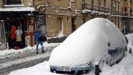 Neige en Espagne. L'armée mobilisée pour aider les automobilistes piégés
