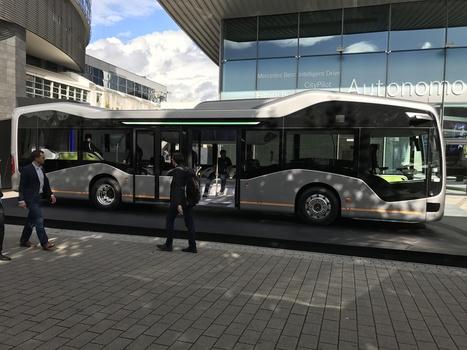 On a vu le Future Bus autonome de Mercedes : il est plus ou moins prêt, contrairement aux lois