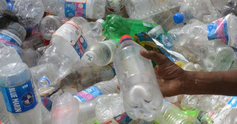 Sacs, bouteilles… Le Canada interdit les plastiques à usage unique dès 2021