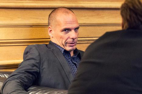 Yanis Varoufakis : «En Suisse, le revenu de base permettrait de stabiliser une société aux inégalités salariales croissantes»
