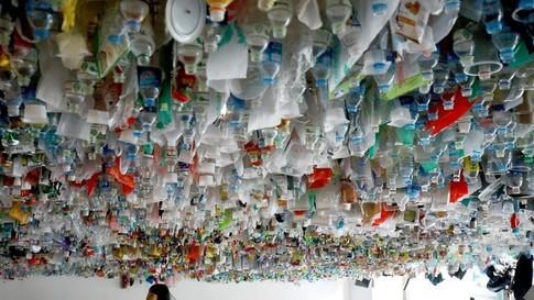 Des chercheurs transforment du plastique non recyclable en énergie