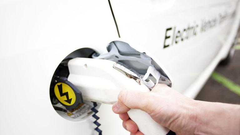 Le marché du lithium est en avance sur les besoins du secteur automobile électrique