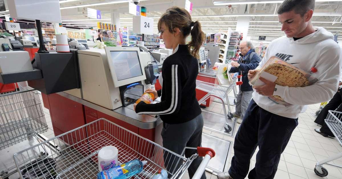 L'ouverture d'un hypermarché sans caissiers le dimanche à Angers fait polémique