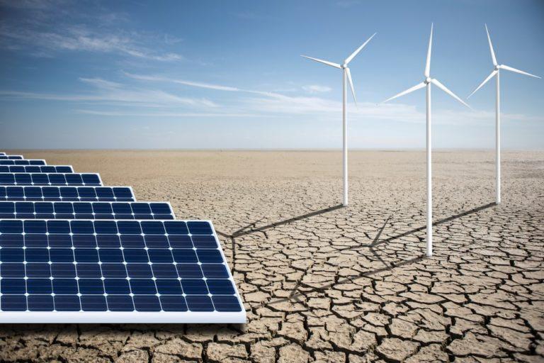 Panneaux solaires dans le Sahara, solution au problème des énergies renouvelables ?