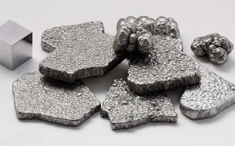 Du fer pour remplacer les métaux rares dans les panneaux solaires