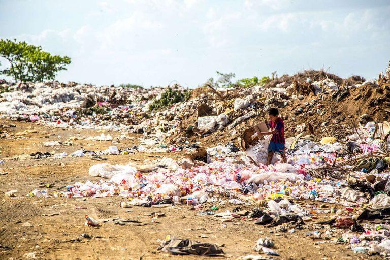 Fouiller dans les ordures pour trouver de l'énergie propre