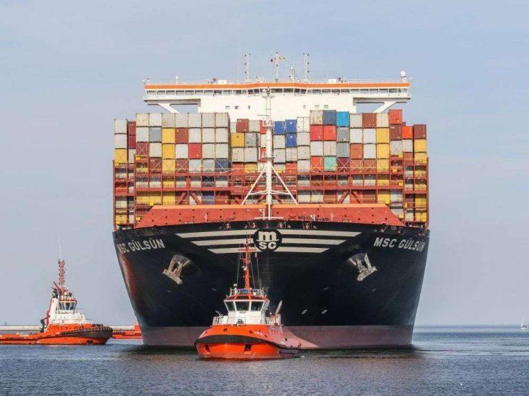 Marchandises, essence, transport aérien : comment les carburants maritimes moins polluants vont augmenter le coût de la vie