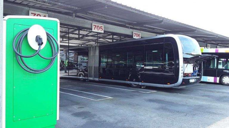Premiers tours de roues pour le Tram'bus, le 2 septembre des Hauts de Bayonne à Biarritz via Anglet