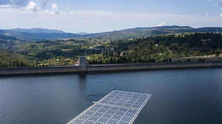 Une décennie d'investissement dans les énergies renouvelables, l'énergie solaire en tête, atteint les 2 500 milliards de dollars des États-Unis