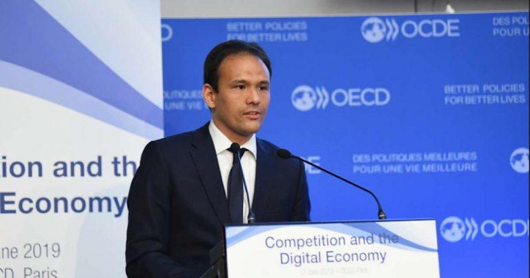France : d'après le secrétaire d'État au Numérique, il faut superviser la reconnaissance faciale