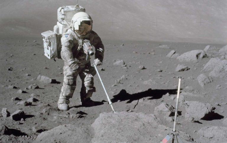 On sait enfin comment extraire l'oxygène du sol lunaire (et ce sera utile pour les futures missions) – Sciences – Numerama