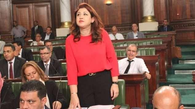 Pour la première fois en Tunisie, une députée prête serment sans foulard | Réalités Online