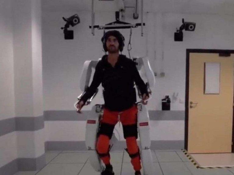 Un patient tétraplégique parvient à piloter un exosquelette par la pensée