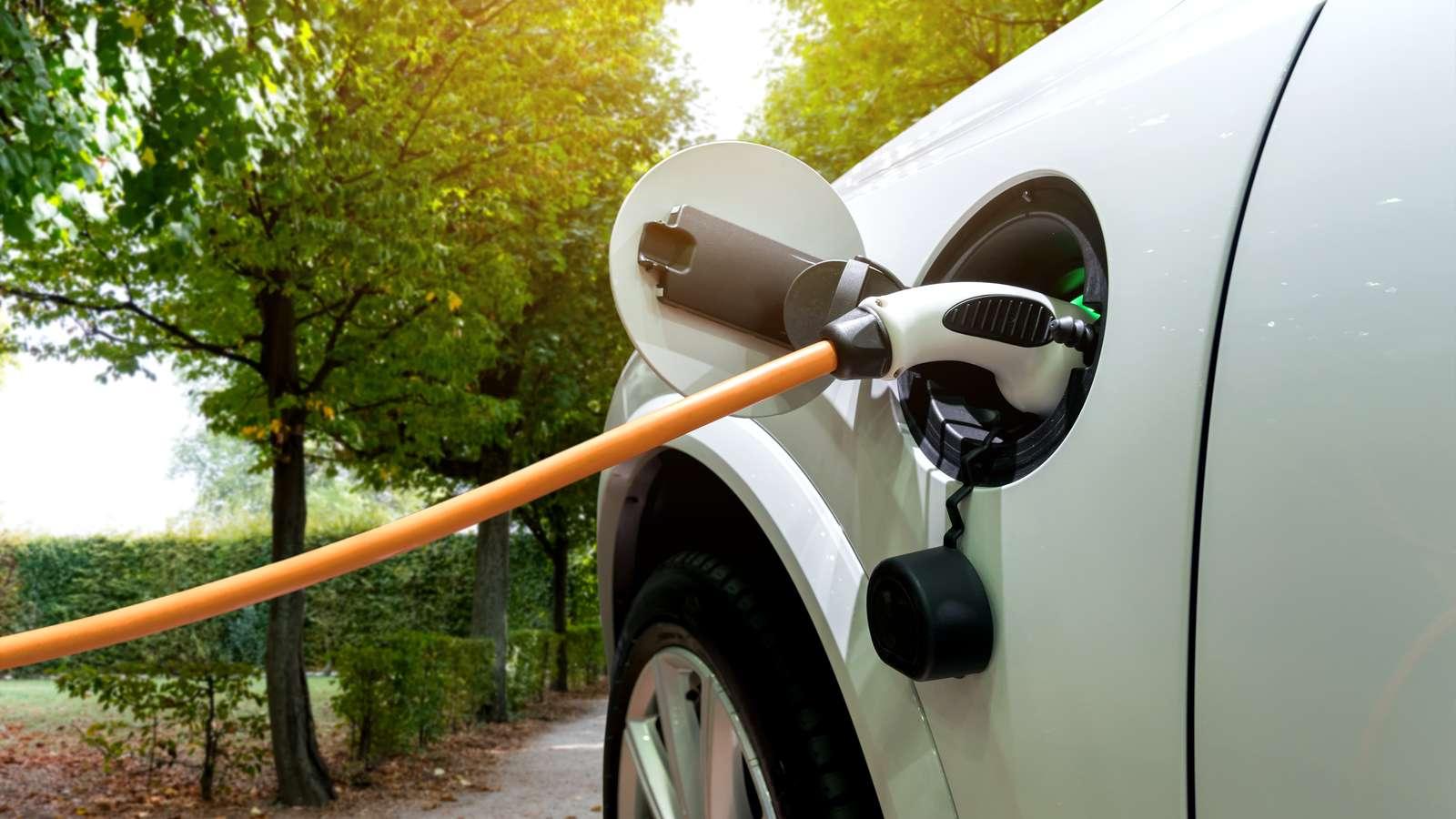 Des voitures électriques rechargées en 10 mn ? C'est pour bientôt, d'après des chercheurs