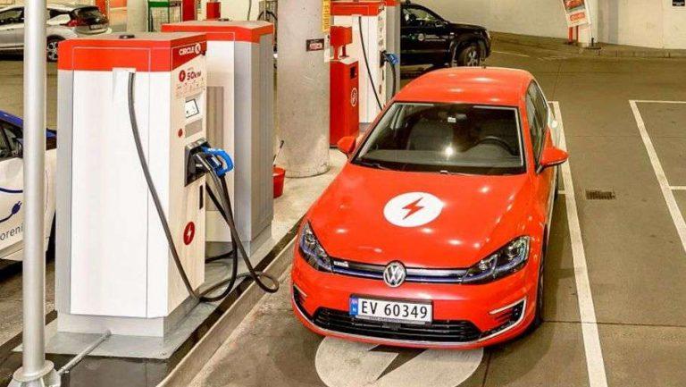 La Norvège se prépare à éradiquer ses pompes à essence
