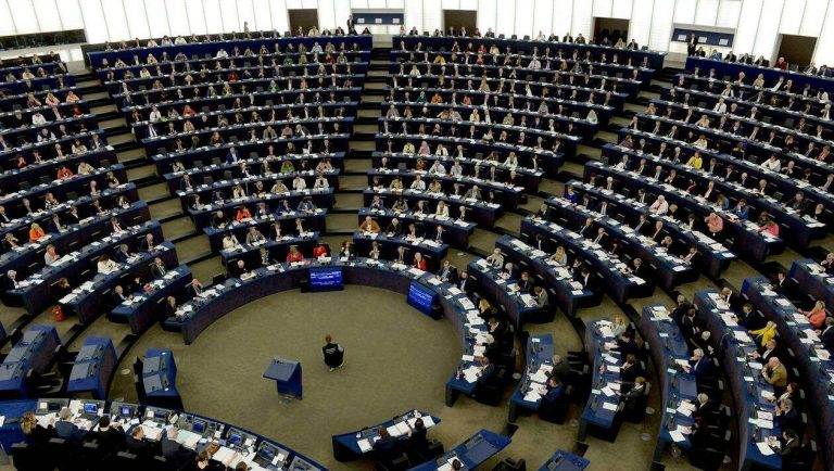 L'Europe devient le premier continent à déclarer l'urgence climatique après le vote des eurodéputés