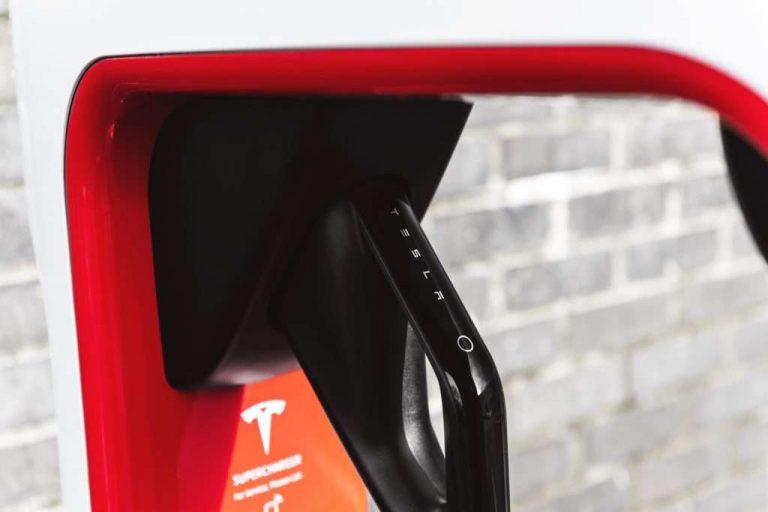 Avec le premier Superchargeur 250 kW en Europe, Tesla creuse son avance sur la concurrence