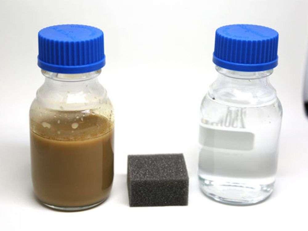 Des chimistes mettent au point une éponge qui absorbe les innombrables gouttes de pétrole dans l'océan