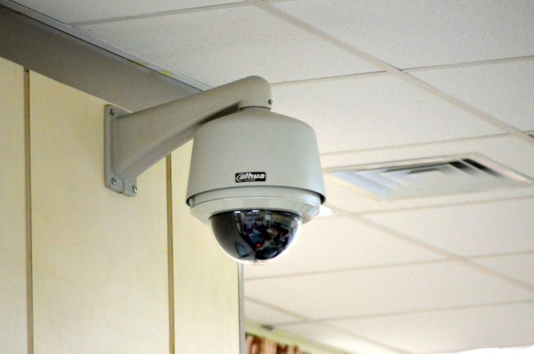 Moscou : des policiers vendent l'accès aux caméras de vidéosurveillance de la ville !